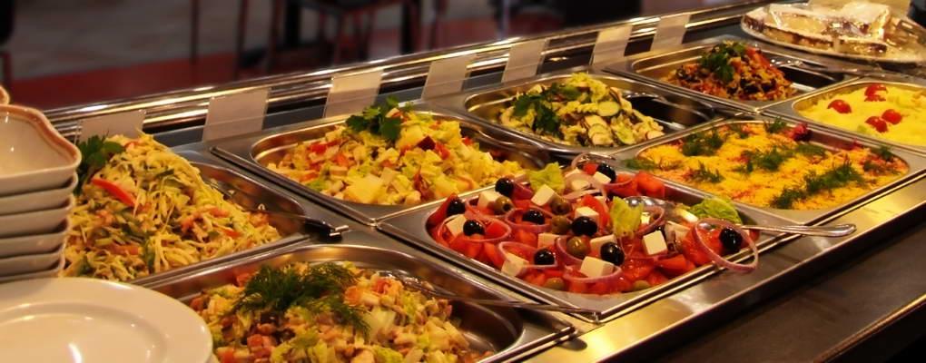 Доставка горячих обедов в индивидуальной упаковке или термосах.