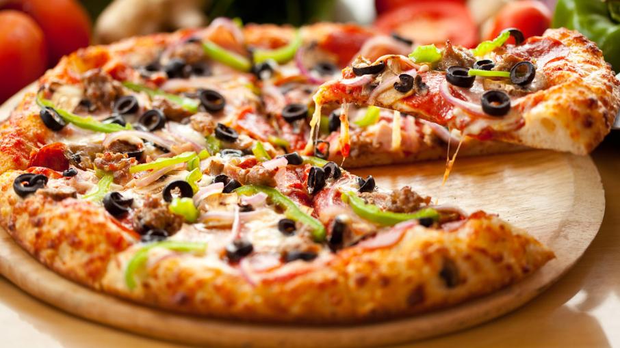 pizza-wallpaper-1366x768